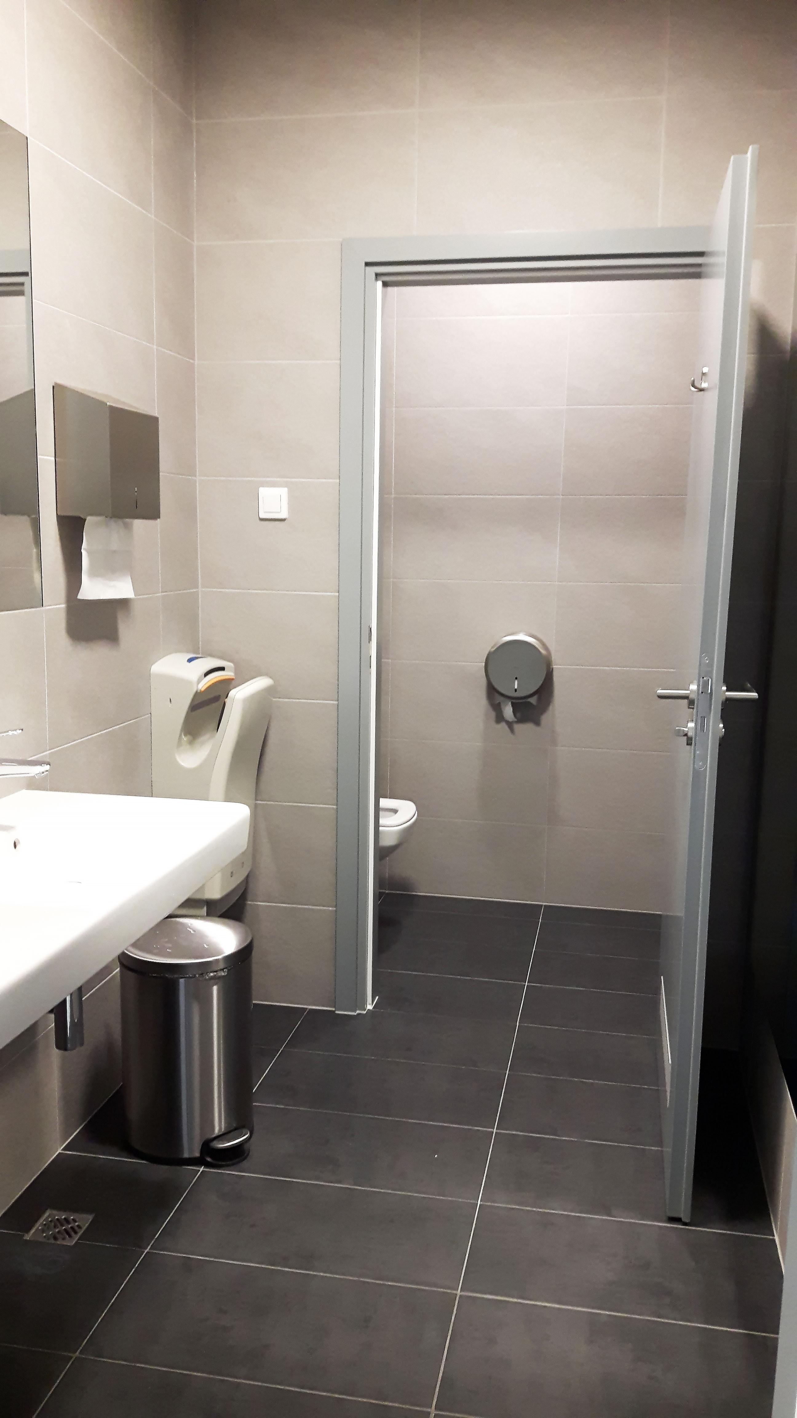 Toaleta-glogowska-2
